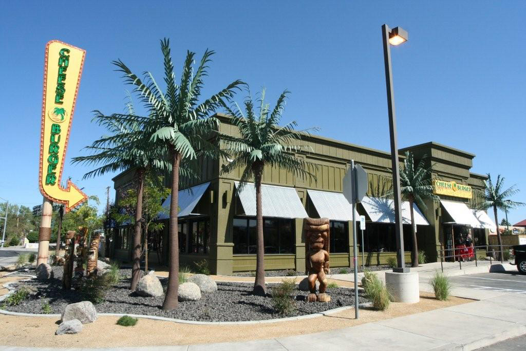 <h6>19' King Palms - Cheeseburger Restaurant</h6> <p>Restaurants with a Tropical Theme use 19′ King Palms to draw attention to their businesses.</p>